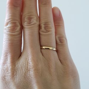 14k Yellow Gold Wedding Band size 4.75 2mm